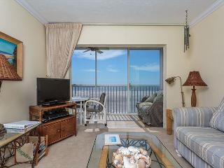 Castle Beach 402, Gulf Front, Elevator, Heated Pool, Sleeps 6 - Fort Myers Beach vacation rentals
