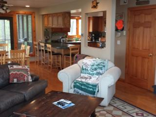 Northwoods Lake Home/Cabin Oak Lake Webster WI - Shell Lake vacation rentals