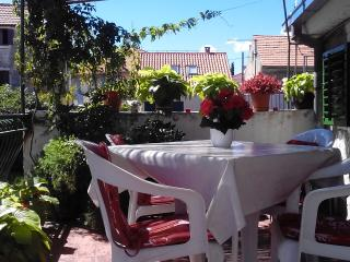 Cute and cozy Apartment Mali Ante - Split vacation rentals