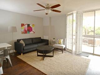 New 2 bdrm w/pool, tennis, gym, near beach - San Diego County vacation rentals