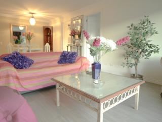 BEAUTIFUL SUITE IN THE BEST AREA OF QUITO. - Quito vacation rentals