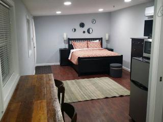 Clean Modern Studio Apt - New Orleans vacation rentals