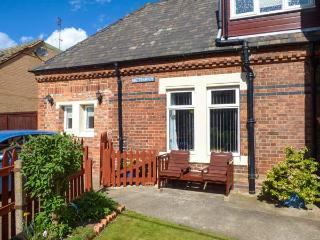THE STATION MASTER'S OFFICE studio accommodation, close to amenities, WiFi in Loftus Ref 922557 - East Sussex vacation rentals
