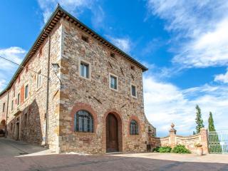 Poggio Senese- Triano mq.290 - Montefollonico vacation rentals