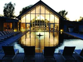 Contemporary Cotswold lakeside home - Somerford Keynes vacation rentals