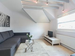 2BR - Earls Court - FGPM7 - London vacation rentals
