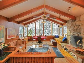 Chez Louisa ski in/out with Hottub and Sauna - Solitude vacation rentals