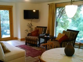 Mossy Hill Guesthouse - Gulf Islands vacation rentals