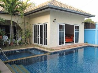 Mediterranean Beach House Style 2 - Jomtien Beach vacation rentals