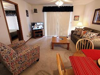 Lakeside Laziness- 2 Bedroom, 2 Bath, Pet Friendly Condo near SDC - Branson vacation rentals