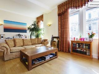 2 bed flat in the heart of London, Tudor Street, Blackfriars - London vacation rentals