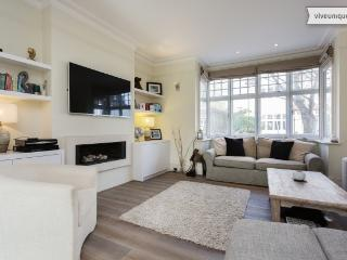 4 bedroom house, Byfeld Gardens, Barnes - London vacation rentals