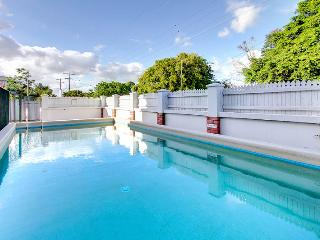 Grafton Street - Affordable 2 Bed City North - Cairns vacation rentals