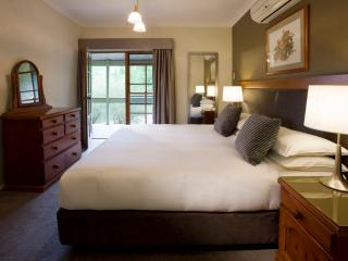 Peppers Manor House - Hillside Deluxe Room - Mittagong vacation rentals