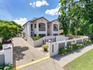 Hill Street Mews - One Bedroom Townhouse - Cairns vacation rentals