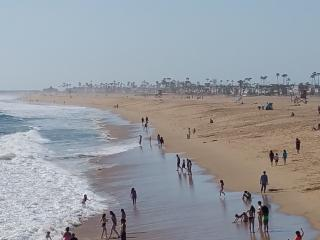 BeachFront and Boardwalk - Luxury 3 Bedroom 2 Bathroom Condo - Newport Beach vacation rentals
