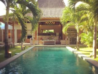 4 BR stylish villa in the heart of Oberoi Seminyak - Seminyak vacation rentals