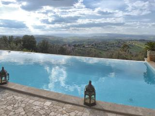 Villa La Perla, A Beautiful Home and A Magnificent  Countryside Panorama, Sleeps 9 - Calvi dell'Umbria vacation rentals