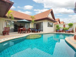 Spacious 2Bedroom Talay Time Villa, near the beach - Pattaya vacation rentals