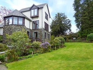 RUSCELLO APARTMENT romantic retreat, close to amenities and Lake Windermere in Bowness Ref 917362 - Cumbria vacation rentals