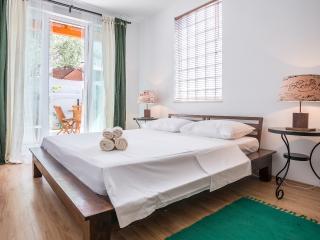Zlatni Bol Studio S3 - Bol vacation rentals