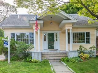 Home on Holly Pond Long Island Sound Four Bedroom - Stamford vacation rentals