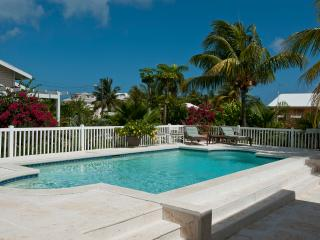 Beautiful pool home 1 block from Saunders Beach - Governor's Harbour vacation rentals