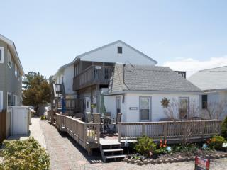 446 21st Street 2nd Floor - Avalon vacation rentals