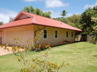 Pupukea's Avocado Village - Haleiwa vacation rentals