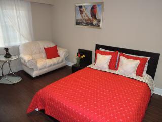 1 bedroom apartment in luxury 2 storey house - Brampton vacation rentals