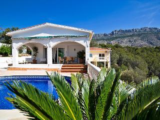 Tranquil Villa with private pool & fabulous views - Altea la Vella vacation rentals