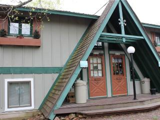 Bear Hug - Upper Peninsula Michigan vacation rentals
