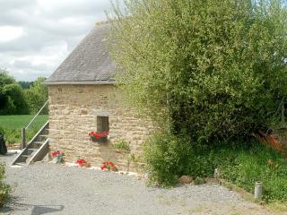 Mont st Michel historic, romantic, B&B cottage - Saint-Ouen-La-Rouerie vacation rentals