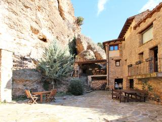 Beautiful home, Private Garden, Total Privacy - Lleida vacation rentals
