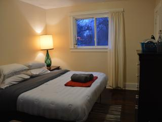 Cozy King Suite ♥ Last Minute Ok! - Southeast Michigan vacation rentals