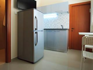 Lovely 1br minute to the beach - Bat Yam vacation rentals