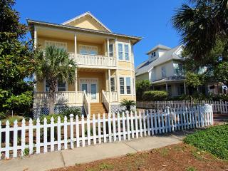 Lazy Pineapple-6BR/4BA Priv Pool-AVAIL 8/30-9/5*Buy3Get1Free8/1-10/31*Walk2Beach - Destin vacation rentals