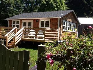 Seawoods Cottage is Brand New, Warm & Open on Farm Setting. - Trinidad vacation rentals