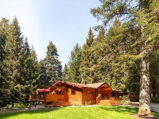 ONE-of-a-KIND Secluded Riverfront Home|Hot Tub, 4BD,Slps12| Fall 3rd Nt FREE! - Cle Elum vacation rentals