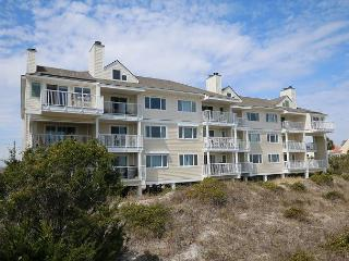 Wrightsville Dunes 1D-H Oceanfront condo with community pool, tennis, beach - Wrightsville Beach vacation rentals