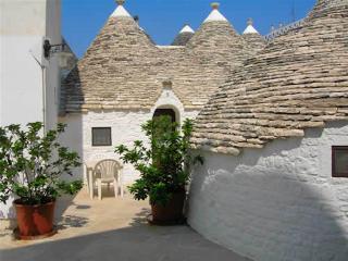 Trulli Piazza Roma - Trullo margherita - Alberobello vacation rentals