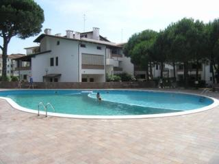Bel trilocale in Residence con piscina - Lido di Spina vacation rentals