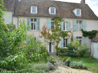 Beautifully Converted C16 Convent, close to Paris - Hermeray vacation rentals