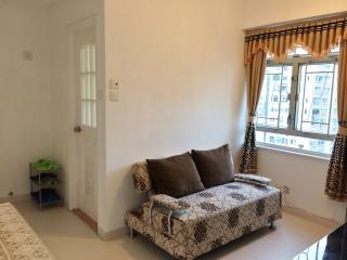 Superb exp for 6 in heart of MK - Hong Kong vacation rentals