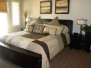 An Upstairs Studio with a King Bed and Private Balcony a Secluded Greenbelt - California Desert vacation rentals