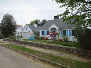 NICE 4BEDROOM, WALK TO MAIN ST FALMOUTH 124563 - Falmouth vacation rentals