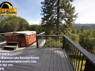 HotTub Slps6 WIFI DogOK 1mi>Beach 25mi>Yosemite - Groveland vacation rentals