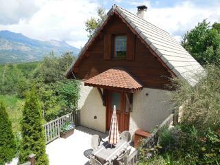 Chalet à la montagne, jardin, piscine. - Gap vacation rentals