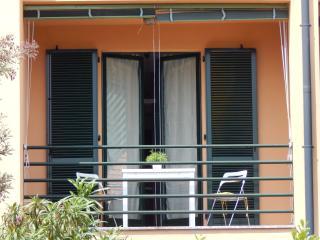 gravedona  studio-apartment front lake - Gravedona vacation rentals
