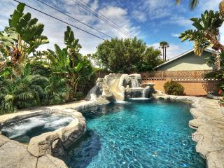 4 beds 3baths Pool/Spa/Water slide. Walk to Disney - Anaheim vacation rentals